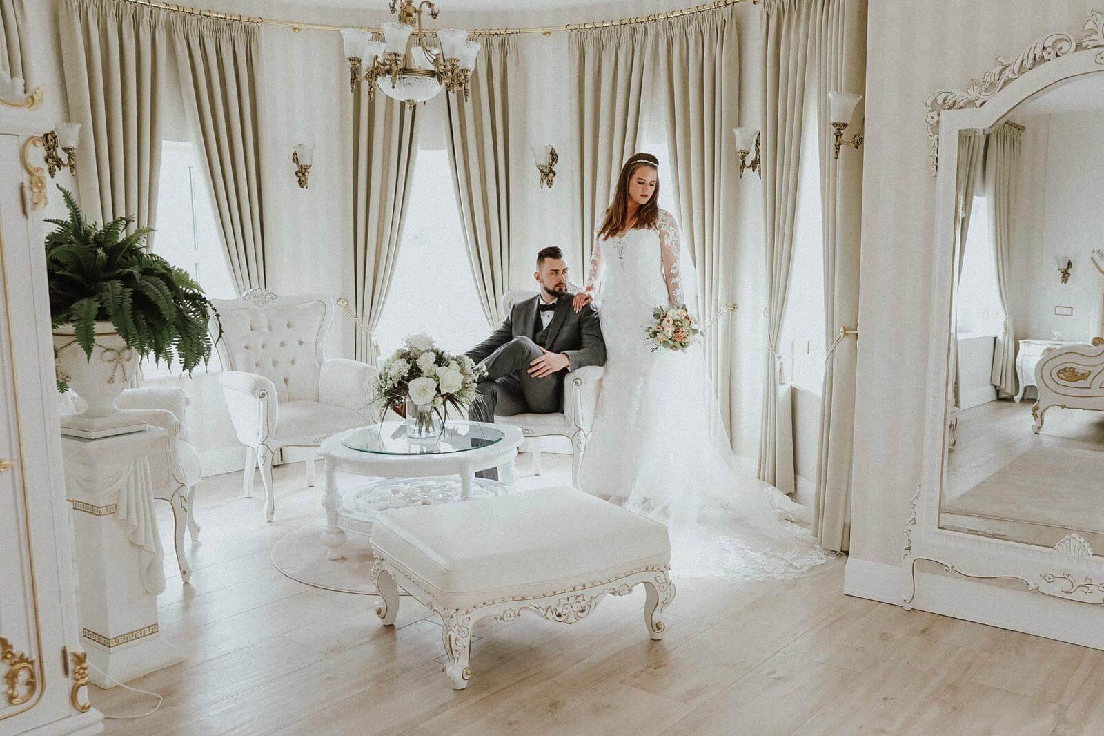 Braut Bräutigam im Schloss