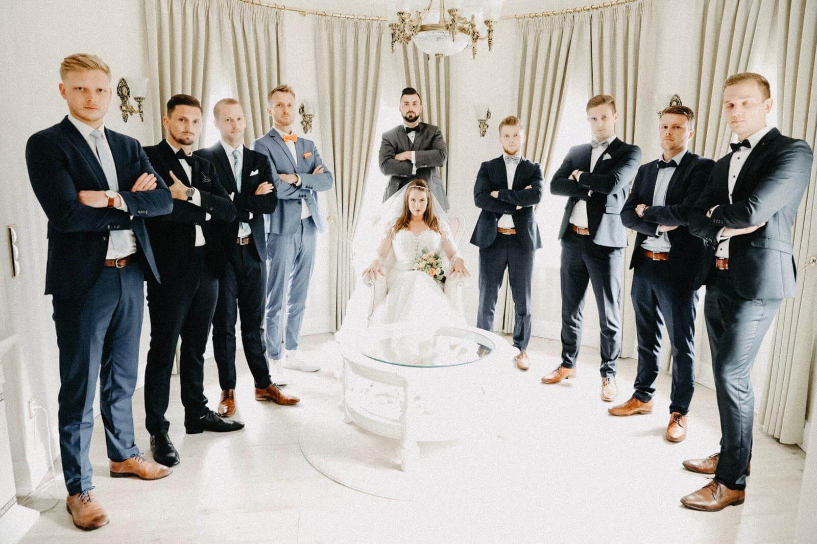 Braut Bräutigam und Brautjungfern